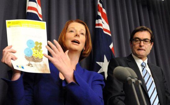 AUSTRALIA-POLITICS-EMISSIONS-GILLARD