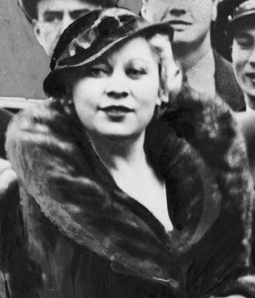 7 Mae West 3