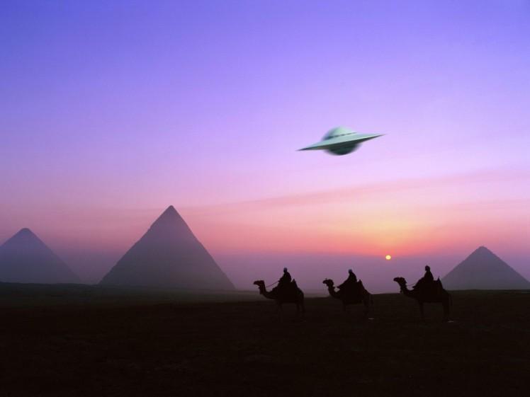 2 UFO and pyramids