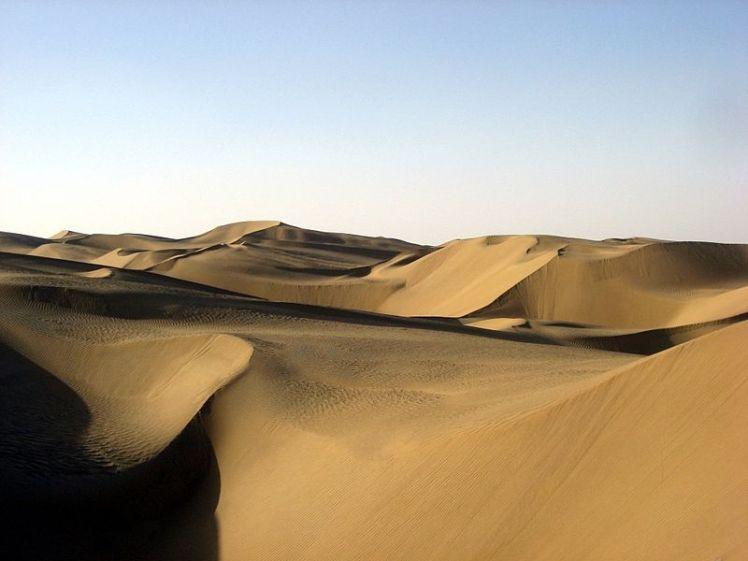 5 Taklamakan desert