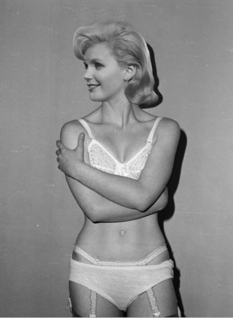 Lee remick nude