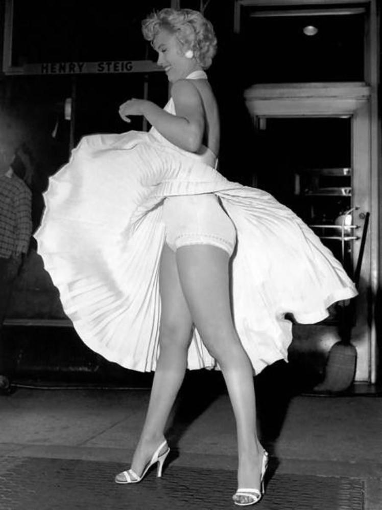 6 Marilyn panties