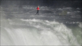 Nick Vallenda crossing the Falls