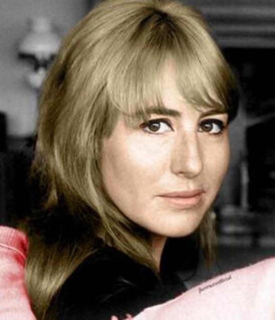 5 Cynthia Lennon