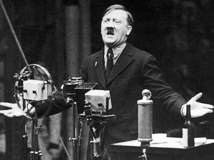 2-hitler-speech-1935
