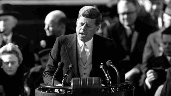 3-jfk-giving-inaugural-address